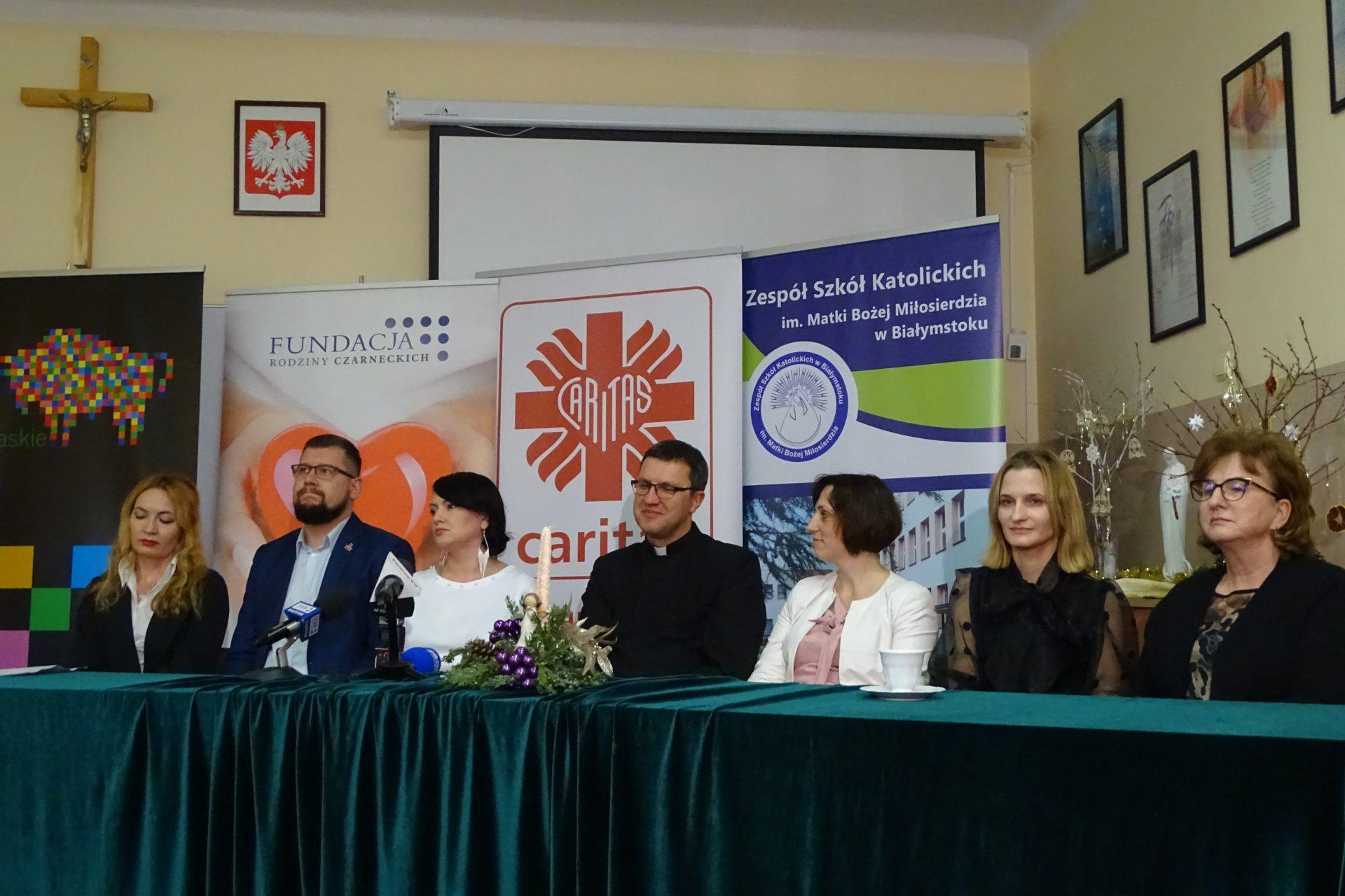Spotkanie Wigilijne Caritas - directoryzoon.com - Portal Internetowy