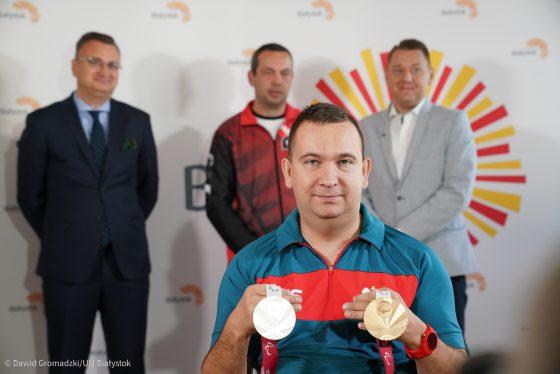 Rafał Czuper – multimedalista Igrzysk Paraolimpijskich spotkał się zwładzami Białegostoku