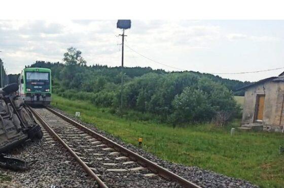 Wypadek naprzejeździe kolejowym wOrlance